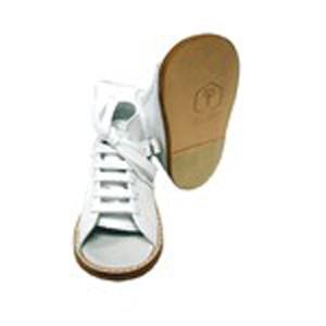 http://ortopediaavis.es/202-252-thickbox/calzado-preandante-horma-curva-m11.jpg