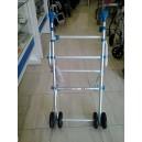 Caminador de aluminio plegable con mangos ergonómicos